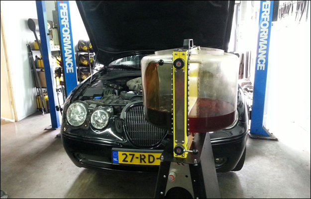Jaguar S-Type Powerflush